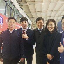 """배성재, 김아랑·차범근과 천안 경기장서 인증샷…""""모두 파이팅"""""""