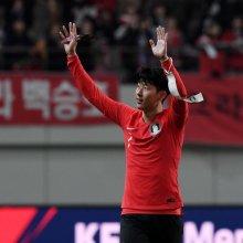 [포토] 손흥민, '2-1로 이겼어요'