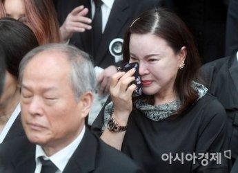 김종필 전 총리 영결식 참석한 배우 최란