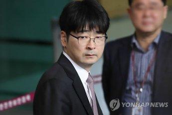 """탁현민 """"靑 떠날 것…의전비서관 내 자리 아냐"""""""