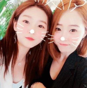 """""""엄마가 아니라 언니 같아"""" 배우 '김새론 엄마' 도대체 몇살이길래"""