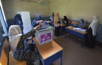 아프간, 총선 하루 연장키로…투표 시스템 오류·테러 공격에 '혼란'(종합)