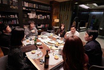 '완벽한 타인' 400만 관객…좌석판매율 20%대 회복