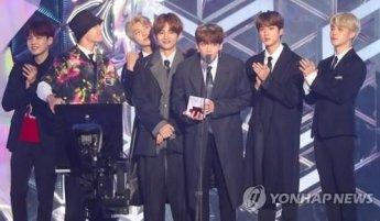 '방탄소년단'신드롬은 이어진다…'빌보드 200' 12주 연속 차트 진입