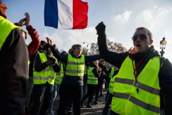 프랑스 유류세 인상 항의 시위…로터리 1천여곳 봉쇄