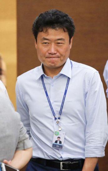 경찰, 음주운전 적발 김종천 비서관 곧 소환…동승자 방조혐의도 조사