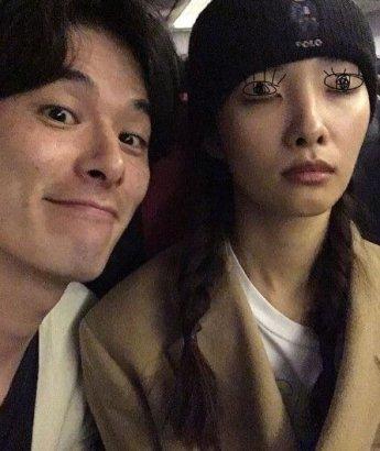 """김원중♥곽지영, 모델 부부의 달달한 일상샷 """"마누라 자는 것도 아름다워"""""""