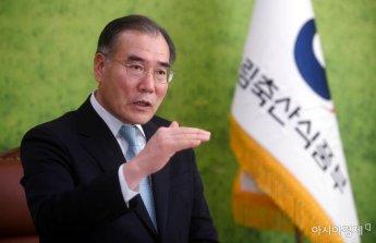 """이개호 장관 """"쌀 목표가격 이달 중 합의해야"""""""
