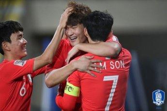 [아시안컵] '손흥민 합류' 축구대표팀, 中꺾고 조 1위로 16강행