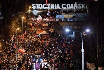 폴란드 그단스크 시장 장례식에 3500여명 몰려…'증오범죄' 규탄