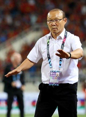 """박항서 """"하나의 팀이라는 것 선수들 잘 알아""""…베트남, 요르단에 승부차기 끝 8강 진출"""