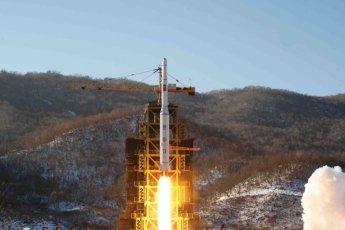 트럼프 깜짝 제재철회…김정은 4월초 중대발표 가능성