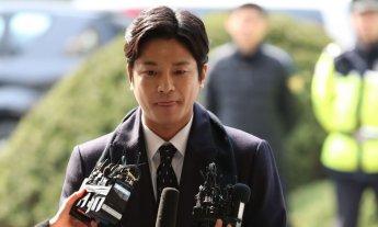 '넘어지며 잡은 옷자락→경찰의 멱살' 김상교 체포 과정 상당부분 과장(종합)