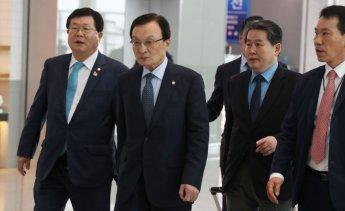이해찬, 4·3 보궐 앞두고 베트남으로 출국…삼성전자 방문