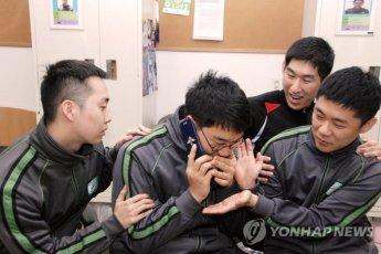 軍병사 '月3만3000원' 휴대전화 전용 요금제 확정
