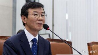 [포토] 답변하는 문성혁 후보자