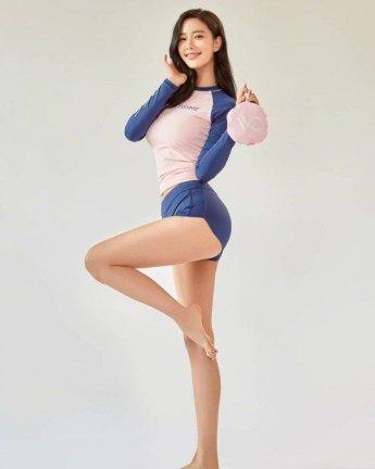 '새댁' 클라라, 변함없는 명품 몸매