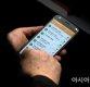 국회의원에게 보내는 문자 '폭탄 테러' vs '정치 참여'