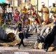 """바티칸서 토플리스로 """"예수는 여성"""" 외치던 女 구금"""