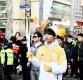 [ST포토] 빅스 엔, '시민들 응원 받으며 갑니다'