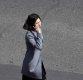 [포토] 휴대전화 사용하는 북한 평양 여성