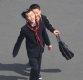 [포토] 거리서 장난치는 북한 어린이들