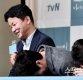 [ST포토] 김원석 감독 눈물에 빵터진 이선균과 이지은