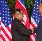 트럼프-김정은 '12초간의 악수'…역사는 만들어졌다