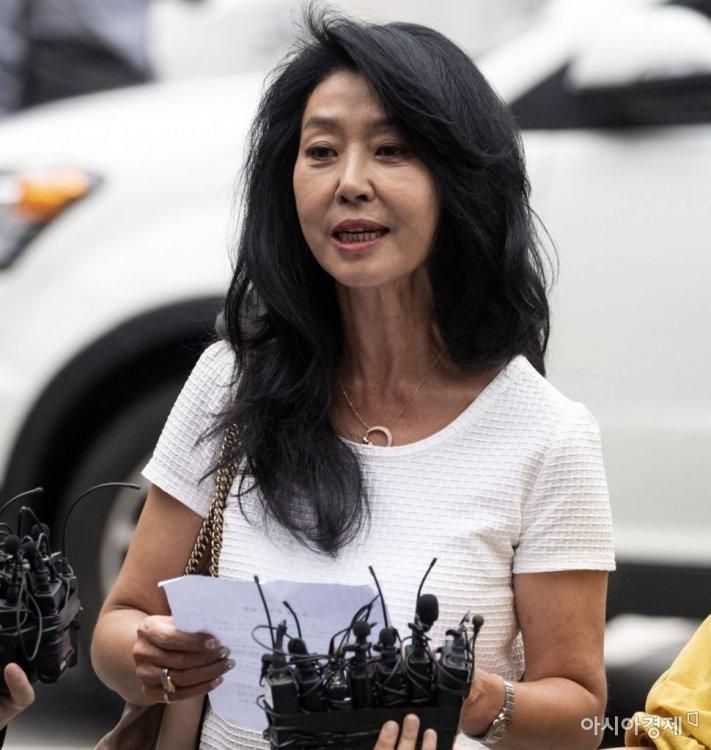 """김부선, 이재명 고소 일부 취하…""""딸에게 부끄럽고 다 내려놓고 싶었다"""""""