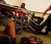 경찰이 교실서 여학생 바닥에 내리꽂아…무슨 일?