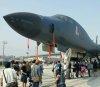 눈앞에 공개된 전략폭격기 B-1B… 내부는