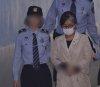 박근혜 : 최순실 …최악의 법정조우, 달라도 너무 달랐던 \