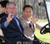 아베 '벌러덩' 골프 외교에 이명박 골프 '운전' 외교 재조명