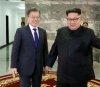 김정은이 흘린 눈물‥핵 포기 의지 표명?