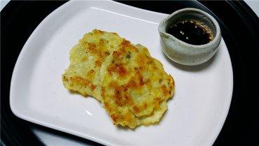 양을 손질하여 만든 고소한 맛의 전 '양동구리저냐'