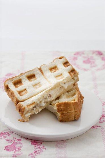「오늘의 레시피」크림치즈를 곁들인 식빵 와플