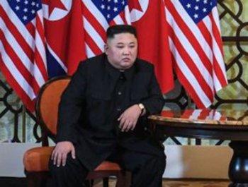 北 연락사무소 철수…위기 맞은 文