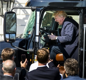 트럼프 케어 표결 연기‥트럼프 리더십 흔들린...