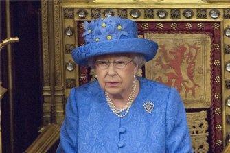 만 91세 여왕은 왜 양위하지 않을까