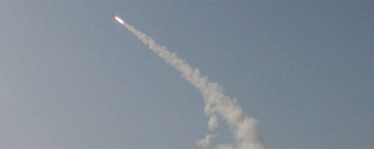 '중거리 미사일' 천궁, 비정상으로 발사돼 자폭