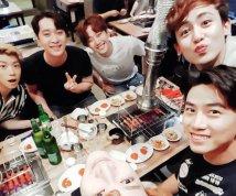 """""""진짜 웃겼다""""…2PM 회식 현장 '눈길'"""