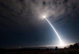 우주에서 쏘면… 美 발표에 강대국들 '초긴장'