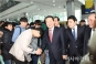 [국민의당 경선]지지자들과 악수하는 박주선 후보