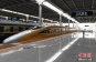 중국 고속철 '배달음식' 서비스 도입, 승객 자리까지 가져다 준다