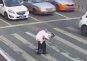 '엄지 척' 받을만한 교통경찰관