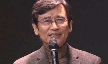 """""""정치비평 일절 않겠다"""""""
