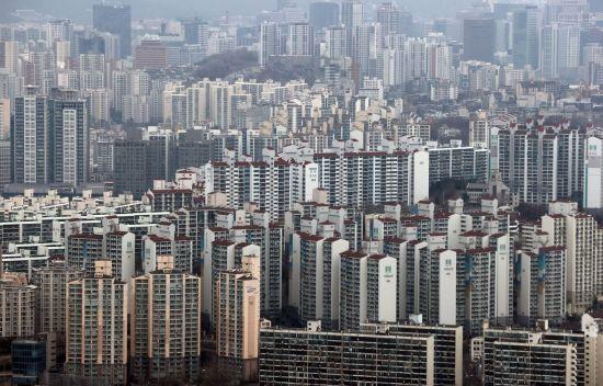 '고점 경고'에도 전국 '불장'…수도권 아파트 매매가 '역대급'