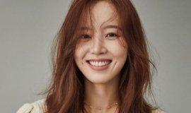 강한나, 깊게 파인 보조개 미소(화보)