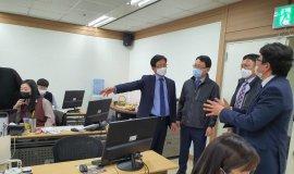조영진 창원 부시장, 신용보증재단 '소상공인 특례보증' 업무 점검