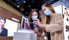 '갤럭시Z폴드2' 글로벌 출시<br>호평 힘입어 출시국 2배